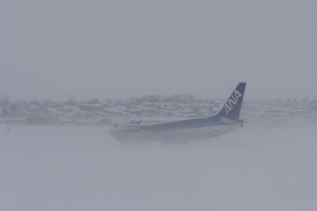 soku_34794.jpg :: デジカメ板 飛行機写真スレ〓第82便〓 飛行機 ヒコーキが足りない by Niigata