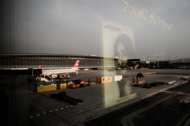 soku_35543.jpg :: チューリッヒ空港 スイス・エア (^.^)