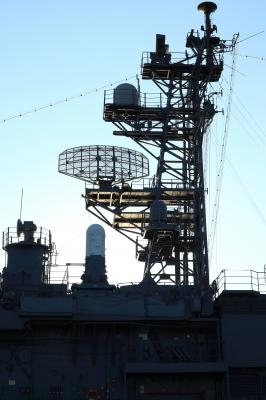 soku_01378.jpg :: 新潟市 山の下埠頭 DD-154 あまぎり Amagiri 海上自衛隊 護衛艦 自衛艦 マスト レーダー by Niigata