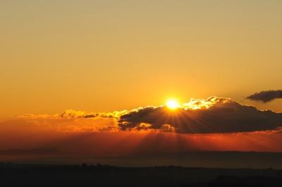 soku_01498.jpg :: 日の出 朝日 光線 太陽 雲 十六条旭日