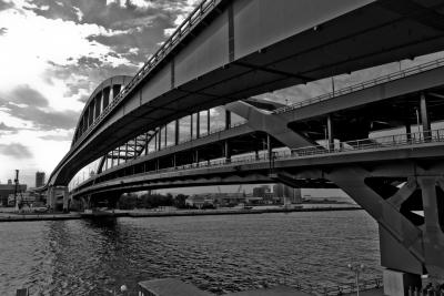 soku_03850.jpg :: 平成23年度 海上自衛隊 呉地方隊展示訓練 建築 建造物 橋