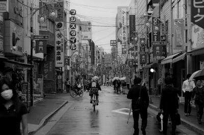 soku_04492.jpg :: 白黒 モノクロ 街 風景