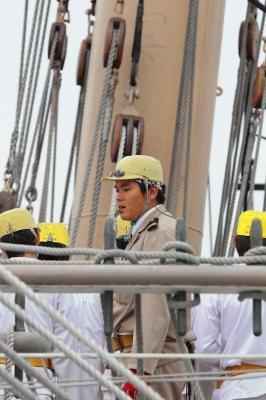 soku_05567.jpg :: 帆船 海王丸 海洋練習船 名古屋港 マスト 水夫 実習生 セイルドリル 展帆訓練 ホイッスル