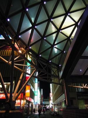 soku_07070.jpg :: 建築 建造物 街並み 都市の風景 繁華街 夜景