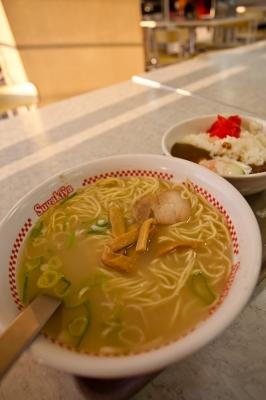 soku_07259.jpg :: 食べ物 麺類 ラーメン 豚骨ラーメン