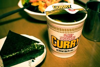 soku_08225.jpg :: 食べ物 麺類 ラーメン カップラーメン カップヌードル おにぎり