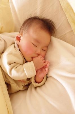 soku_08257.jpg :: 人物 子供 赤ちゃん 指しゃぶり
