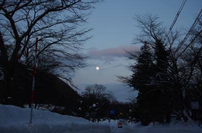 soku_08392.jpg :: 風景 自然 天体 月 三日月 雪景色