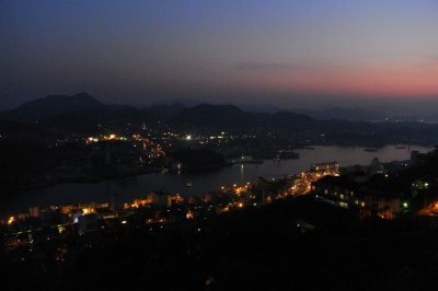 soku_08433.jpg :: 建築 建造物 街並み 郊外の風景 夜景