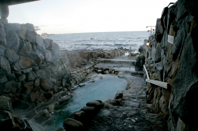 soku_08900.jpg :: 風景 自然 温泉 海 海岸