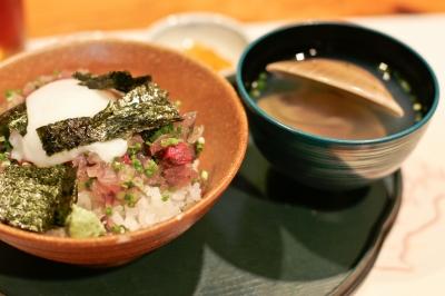soku_09169.jpg :: 食べ物 和食 丼 鯖丼 吸い物 蛤の吸い物