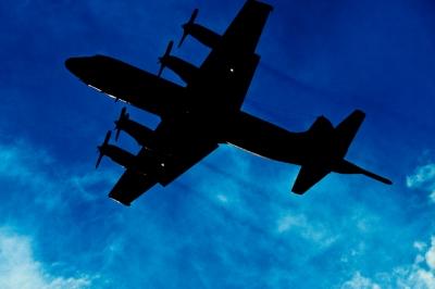 soku_09641.jpg :: 風景 自然 空 飛行機 P.3C 対潜哨戒機 逆光