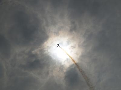 soku_09690.jpg :: 風景 自然 空 飛行機雲