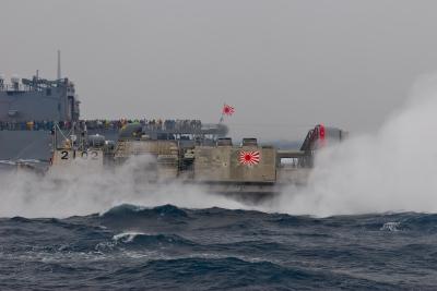 soku_09948.jpg :: 乗り物 交通 船 護衛艦 LCAC.2102 エアクッション艇2号 艦橋