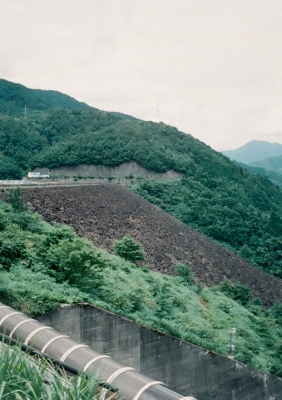 soku_09951.jpg :: 風景 自然 山 崖 フィルム 銀塩