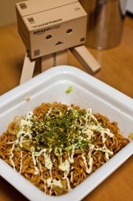 soku_10035.jpg :: アート 工芸品 クラフト 人形 フィギュア ダンボー 食べ物 麺類 焼きそば