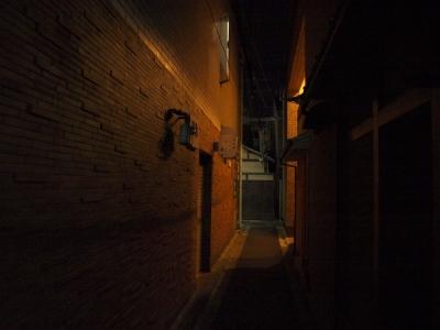 soku_10179.jpg :: 風景 街並み 都市の風景 路地裏 夜景
