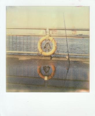 soku_10350.jpg :: 釣り 岸壁 救命浮環(救命浮き輪)