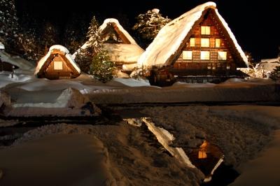 soku_10356.jpg :: 風景 自然 雪景色 夜景 白川郷 色 光 ライトアップ
