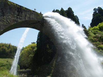 soku_11062.jpg :: 建築 建造物 橋 めがね橋 放水