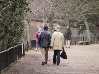 soku_11306.jpg :: カップル 人物 老人 高齢者