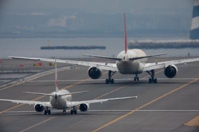 soku_11381.jpg :: 乗り物 交通 航空機 飛行機 空港 滑走路