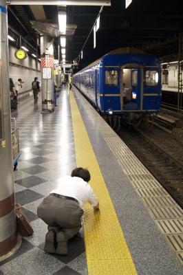 soku_11417.jpg :: 乗り物 交通 鉄道 列車 寝台特急 あけぼの 上野 祈り