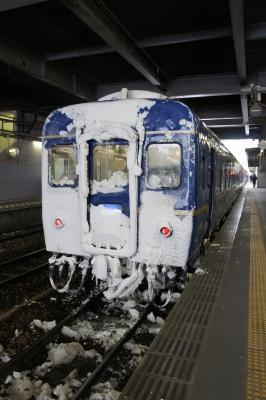 soku_11420.jpg :: 乗り物 交通 鉄道 列車 寝台特急 あけぼの 着雪