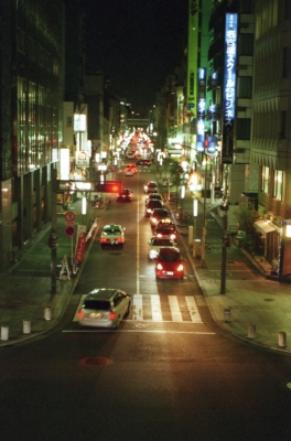 soku_11501.jpg :: 風景 街並み 都市の風景 夜景 フィルム 銀塩 低彩度フィルム