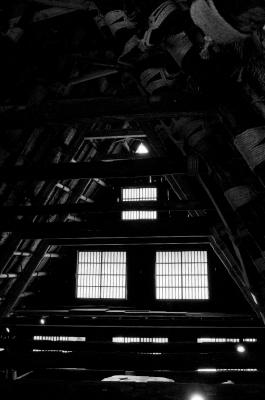 soku_12669.jpg :: 白川村 住宅 日本家屋 合掌造り モノクロ