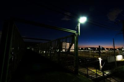 soku_13711.jpg :: 三鷹ヤード 鉄道 夜景 夕暮れ (^_^)