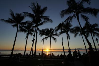 soku_14232.jpg :: 風景 自然 空 夕日 夕焼け 日没 南国 風景 街並み 郊外の風景 リゾート