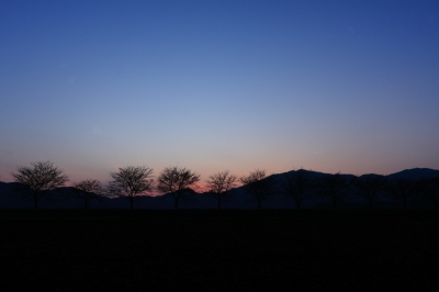 soku_14785.jpg :: 風景 自然 山 残照 飛行機 ヒコーキが足りない by Niigata