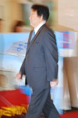 soku_16624.jpg :: 平成24年度遠洋練習航海 出航記念行事 東京港晴海埠頭 防衛副大臣 流し撮り ポケット
