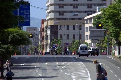 soku_16841.jpg :: 乗り物 交通 道路 坂道