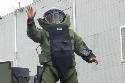soku_17121.jpg :: 軍事 爆発物処理班