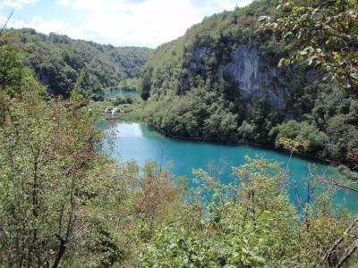 soku_17780.jpg :: クロアチア プリトヴィツェ 風景 自然 森林 川 渓谷 外国