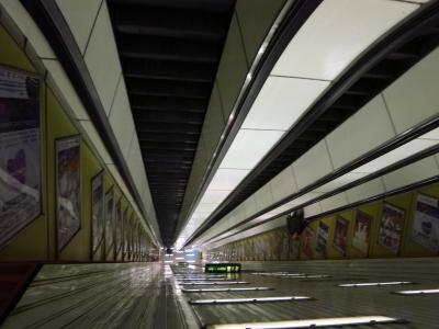 soku_18429.jpg :: ハンガリー ブダペスト 地下鉄