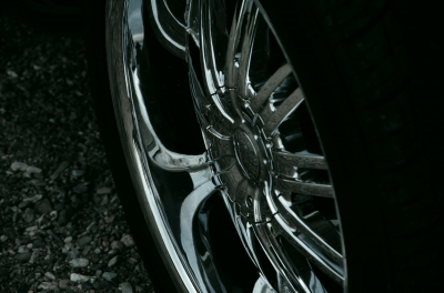 soku_18607.jpg :: 乗り物 交通 自動車 アルミホイール タイヤ 黒トビ