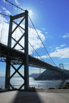 soku_19427.jpg :: 関門橋 壇ノ浦PA 午前 逆光 建築 建造物 橋