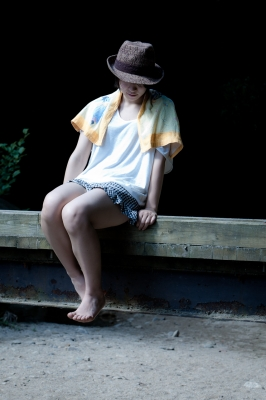 soku_19637.jpg :: 人物 女性 若い女性 女子高生 水分 風景 自然 川 渓谷