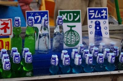 soku_19671.jpg :: 飲み物 ドリンク ジュース ラムネ 屋台