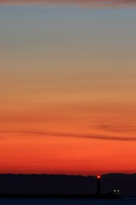 soku_20374.jpg :: 風景 自然 空 日没 マジックアワー 残照 乗り物 交通 船 by Niigata