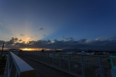 soku_20923.jpg :: 風景 自然 空 夕日 日没 色 光 光芒