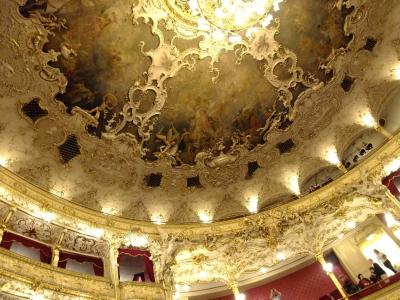 soku_21071.jpg :: プラハ国立歌劇場 建築 建造物 歴史的建造物 外国