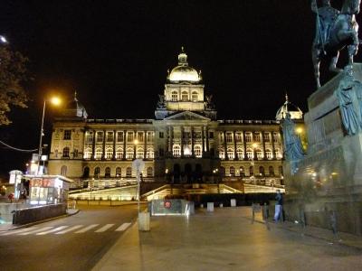 soku_21095.jpg :: プラハ 博物館 ヴァーツラフ広場 風景 街並み 都市の風景 外国 夜景