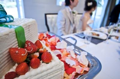 soku_21430.jpg :: ウエディング 結婚式 披露宴 ウェディングケーキ 食べ物 お菓子 デザート スイーツ 苺