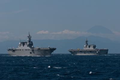 soku_21431.jpg :: 海上自衛隊 平成24年度自衛隊観艦式 DDH.181 ひゅうが Hyuga DDH.182 いせ ise
