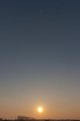 soku_22039.jpg :: 夕日 空 ヘリコプター 風景