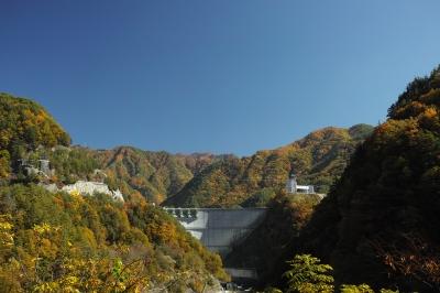 soku_22396.jpg :: DP2m 風景 紅葉 山 ダム 大鹿村